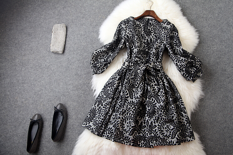Restore ancient ways round collar lace black dress