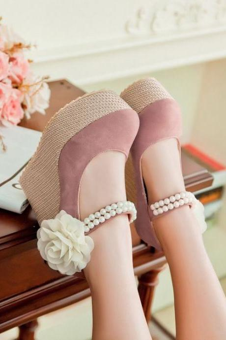 Gorgeous Pink Wedge Shoes With Pear Rivet