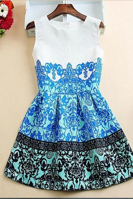 Sleeveless White Vintage Style Dress