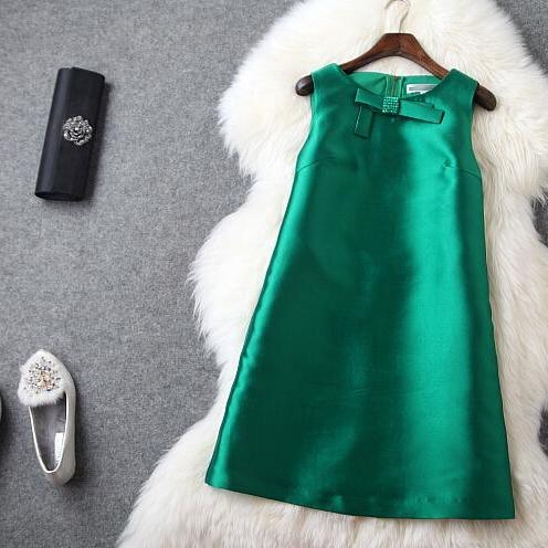 Green bowknot gown dress